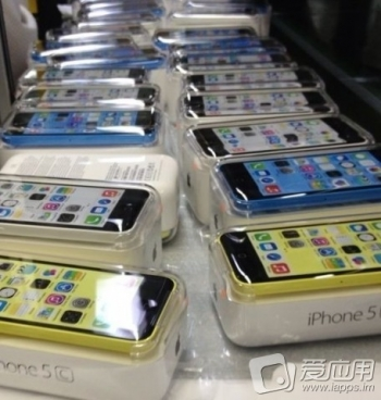 Shipments of Next-Gen iPhone Models Start Shipping to US